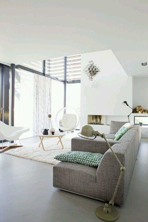 betonlook vloer in de woonkamer